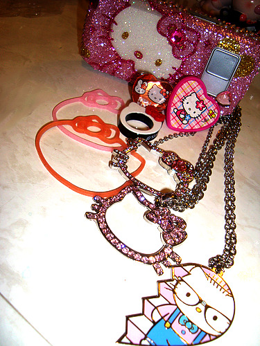 sillybandz & necklaces & more / trinalam