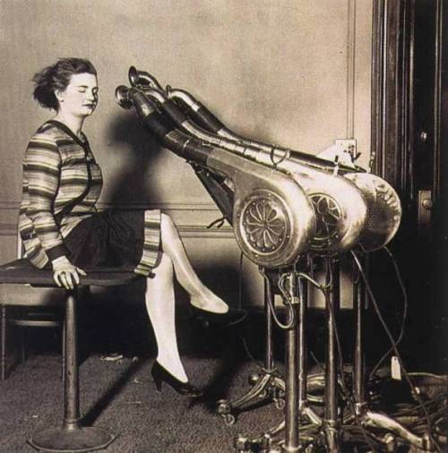 mothgirlwings:   mothgirlwings:  Giant hair dryer - c. 1920s