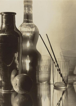 stilllifequickheart:  Emmanuel Sougez Still Life 1931  … WAIT!!! There is no orange here! Oh yes there is.  He just isn't showing his true colors :)