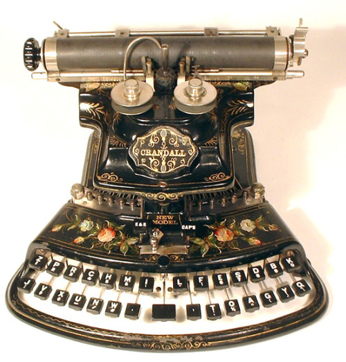 fuckyeahbookarts:  turningpagesover:       Crandall New Model typewriter, 1886.        This is so beautiful.
