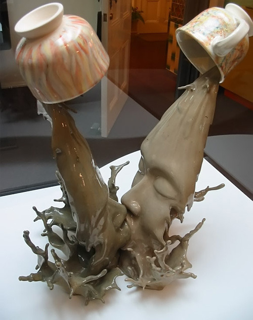 Coffee Kiss, a ceramic sculpture by Tsang Cheung Shing (from the Science of Kissing Gallery at Discover)
