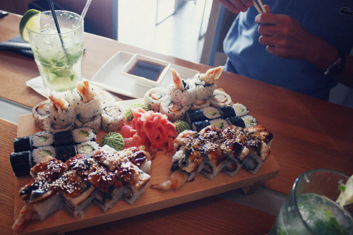 esotericmelange:   kabuki (by KATRI BC)   This looks DELICIOUS!  (and I decided to continue posting tonight! :3)