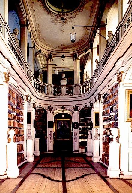   ♕   14-Herzogin Anna Amalia Bibliothek Weimar II, Germany