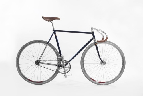 Nothing but class coming from Pristine Fixed Gear in Amsterdam.  This is their new Supervetta track frame.  Found on EHVFXD.