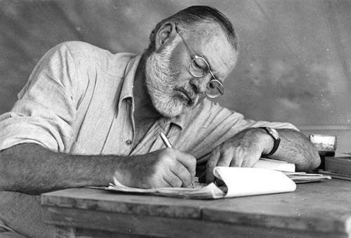 la-femme-terrible:  tomorrowsparties:   (via talkingtokafka: ernest hemingway)