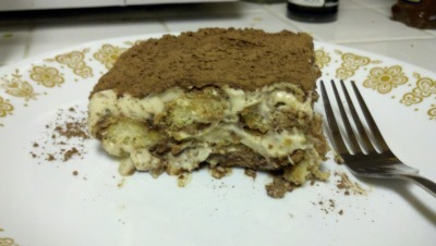 TIRAMISU!! ya, i made that for my gf. no biggie.