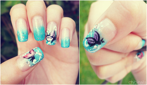 Blue gradient with butterflies. Gradient looks a lot better in rl and I wish I've acrylic paint :|