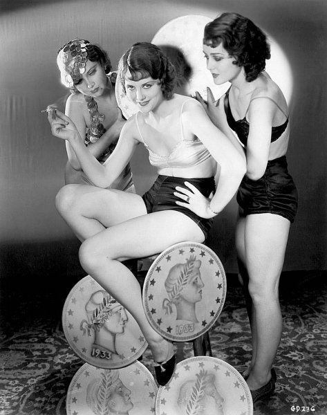 the-asphalt-jungle:  Chorus Girls - Gold Diggers Of 1933