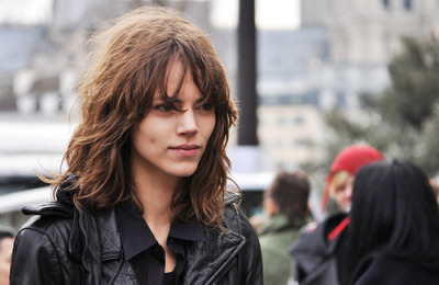 Freja looks more than stunning here. More than usual.