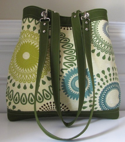 Kiwi and Lime Green Teardrop Circle Print Double by jpleasant