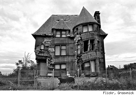 35 Beautiful (but Scary) Abandoned Buildings - Urlesque