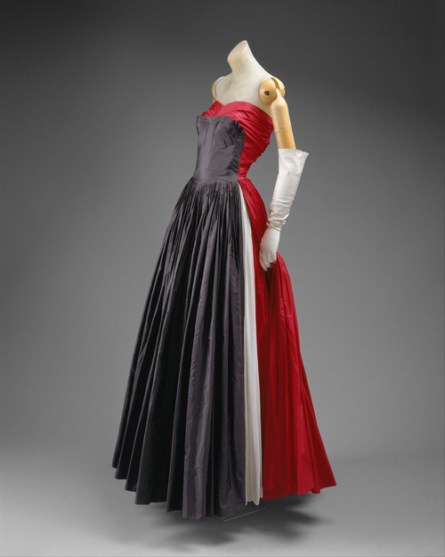 defunctfashion:  Madame Gres | c. 1951
