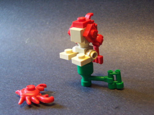 legos-n-things:  Under the sea (by Matt Armstrong)