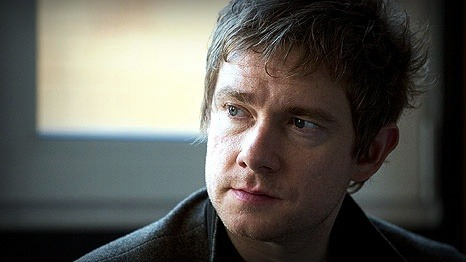 onceuponahobbit:  Martin Freeman For Bilbo!  Please be Bilbo…please be Bilbo…please be Bilbo :) ♥  Breaking News : Martin Freeman could still play Bilbo after yesterday reports he had turned down the role.  :)    Keeoing my hairy toes crossed for this one…Martin Freeman For Bilbo!