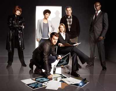 popculturebrain:  'Fringe' First Look: The season 3 cast photo! | Ausiello I see you there The Observer.  I'm sorry I can't help but be a complete Fringe nerd and point out that Astrid is in line with The Observer & is wearing gray unlike everyone else who is in black.