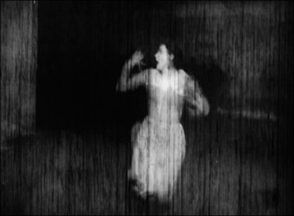 - frame of a previously lost scene from Metropolis (1927)dir. by Fritz Lang via the bioscope