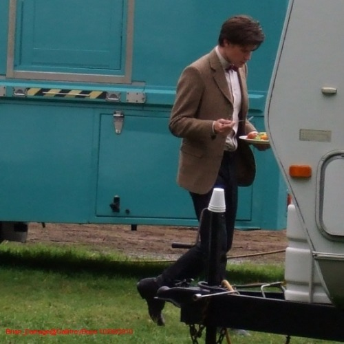 "mattsmithshair:  Set picture from lunchtime today, thanks to Brian_Damage on gallifreybase.  Seeing pictures from the set of Doctor Who series 6 makes me question the report that ""The Doctor WILL be getting a new outfit for series 6 as it's just too cold to film in a tweed jacket."" I can't remember where I read/heard that, though, but I'm pretty sure it was either Confidential or Doctor Who Magazine (as they are the only real sources I pay attention to)."