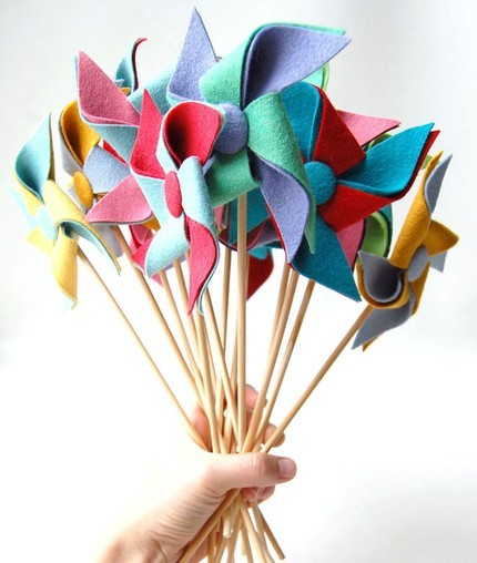 themiddlesister:  Pirouette Pinwheel | Apartment Therapy Ohdeedoh