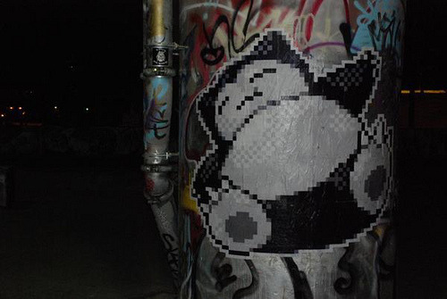 Daily Graffiti: A wild snorlax appeared by LAZER [Via g33k graffiti!]