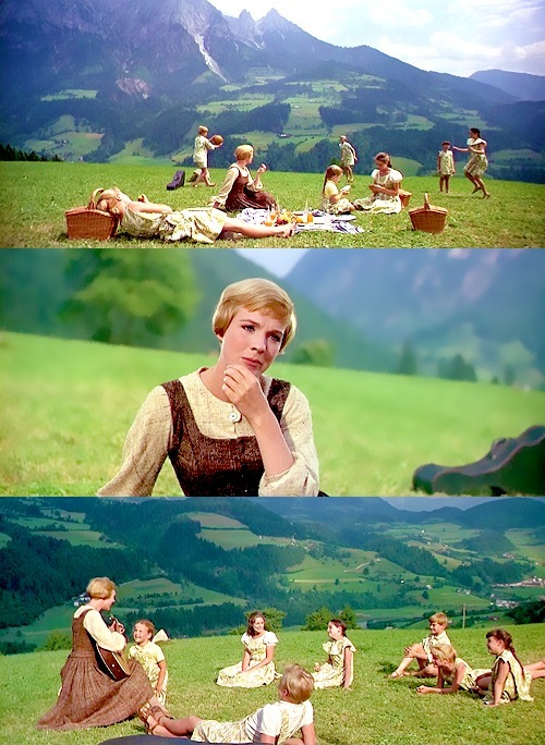 cheapandjuicy:  Dame Julie Andrews is teaching us how to sing.