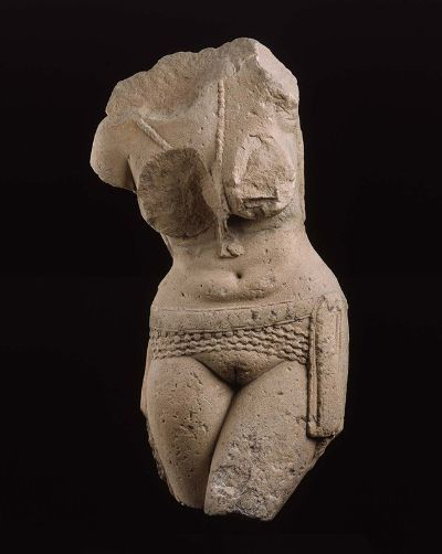 ratak-monodosico:  Torso of a fertility goddess (yakshi), from the Great Stupa at Sanchi is an Indian sandstone sculpture from the Great Stupa at Sanchi. It dates from the Sunga period, 25 B.C.–A.D. 25. It depicts a yakshi fertility goddess. It is currently located at the Museum of Fine Arts in Boston, Massachusetts.   Torso of a female figure bending to one side. The figure wears a necklace and elaborate beaded belt. Both arms are now void, but it is clear that one arm was raised above the figure's head while the other was pendant. One leg crosses in front of the other, though both are now void at mid-thigh. On the reverse, the figure's braided hair and elaborate jewelry are carved in low relief. The figure appeared toward the top of one of four stone gateways (toranas) leading to the Great Stupa at Sanchi. It formed a bracket between two horizontal elements and one of the torana posts. There were two large and at least two smaller female figures per gateway, but few survive, with only one or two still in situ.[1]  See also: Venus in India