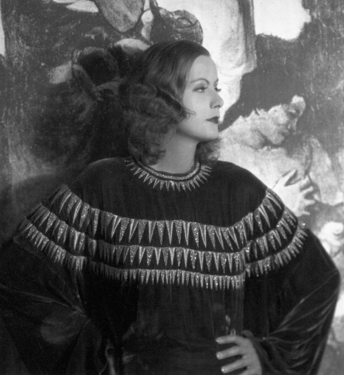 There is no one like Garbo. classicfilmheroines:  Greta Garbo in 1929 Photographed by Ruth Harriet Louise Image Source: Flickr