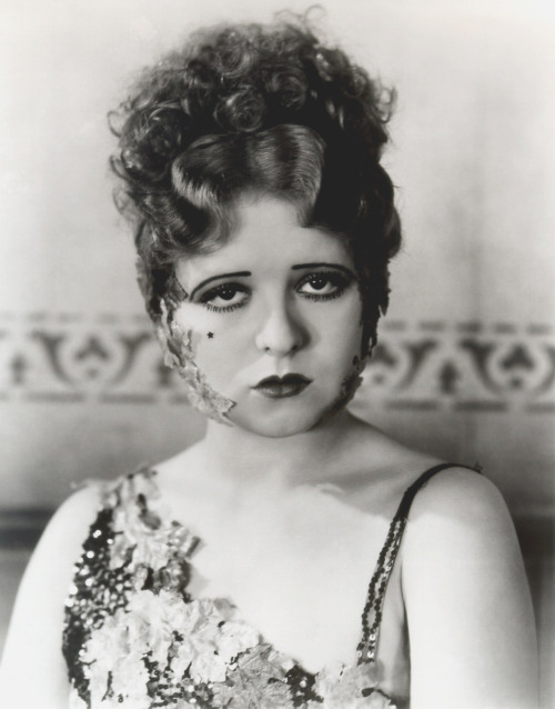 Clara Bow in The Saturday Night Kid (1929) Costume design by Edith Head Image Source: Flickr