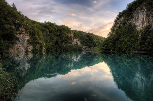 kari-shma:  Plitvice Lakes - Sunset Reflection (by Keith Thorne)