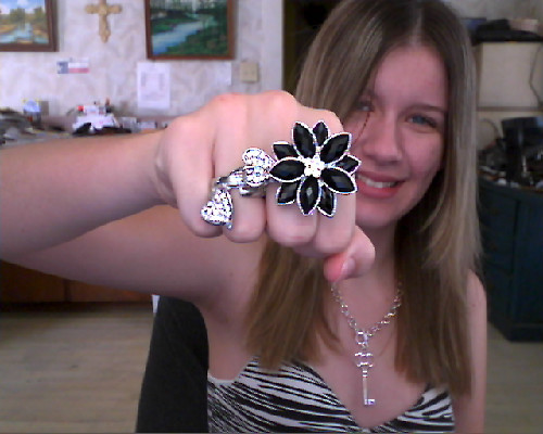 It's my new two-finger ring ;D
