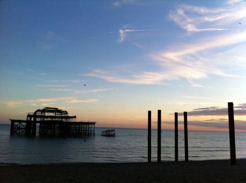 Finally. A photo of the ruined West Pier wot I took meself a couple of hours ago. Fin.