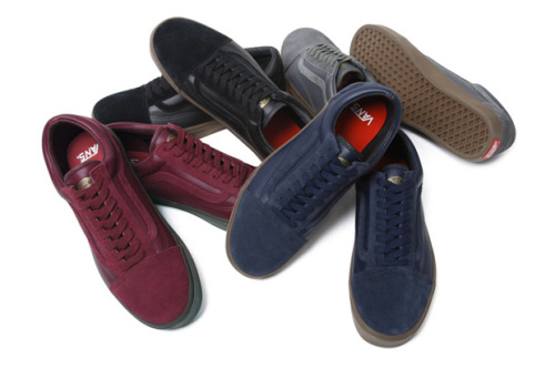 Supreme x Vans Old Skool (Fall/Winter 2010) Supreme will be  releasing two new styles of Vans - the Half Cab and the Old Skool.  Both  styles will feature a suede/leather upper with leather insoles and a  gum rubber sole.  Available in-store and online on September 16th.  Available in Japan on September 18th.