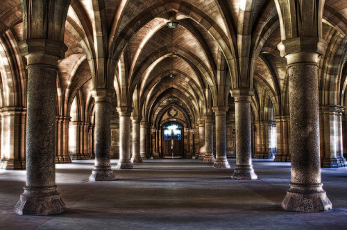 Cloister, Glasgow University (by yaopey)