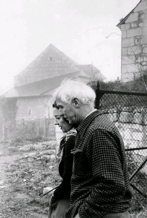 chagalov:  Max Ernst and Dorothea Tanning, France, 1957 -by Henri Cartier-Bresson via LA