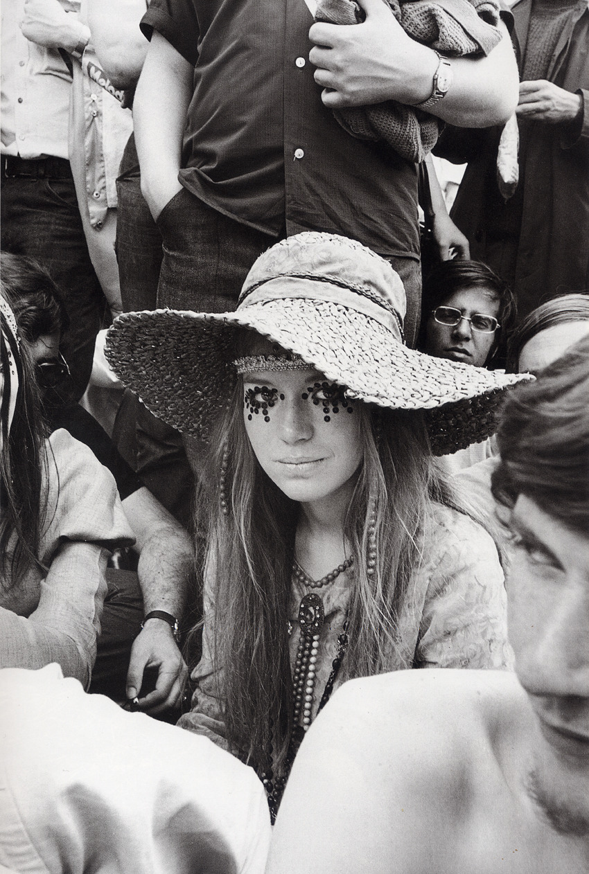 lonlita:  Girl at a Rolling Stones concert in 1969.