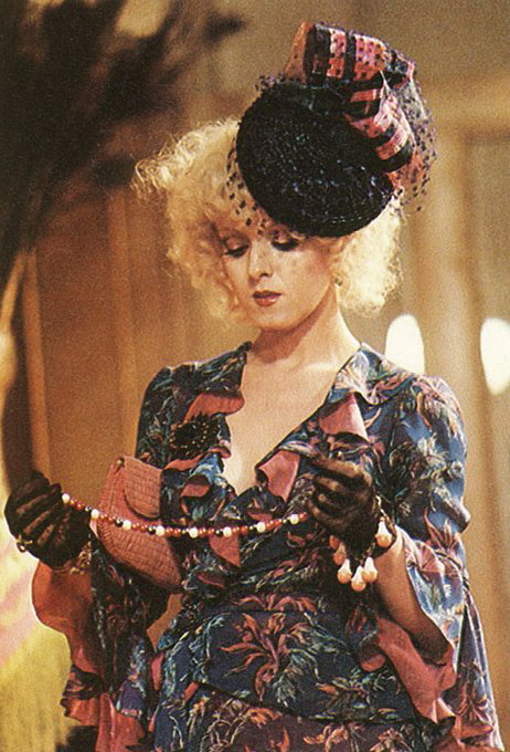 Bernadette Peters in Annie (1982)
