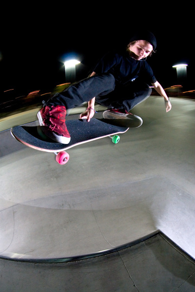 nickbrunooo:  skateaztimemachine:  Britt Rutan - melon fakie photo: Brandon Cooper  Britt was so cool