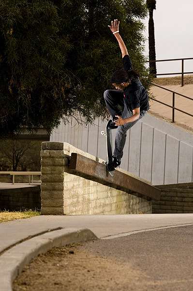 skateaztimemachine:  Brandon Walker - Front Blunt Pop Out photo: Ty Bush