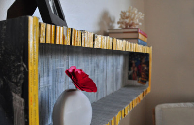 Recycled magazine shelf. I am in love.