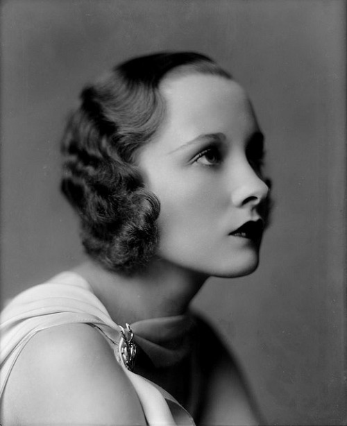anjalouise:  glynnis:  Portrait, 1931 (by Bob Bobster)  this lady has a funny nose kinda like me!