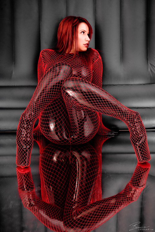 Hell yes - Latex and fishnets again!