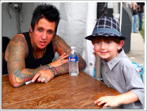 Kaiden with Jacoby Shaddix of Papa Roach at Buzzfest 2010.