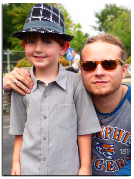Kaiden with Zach Myers of Shinedown at Buzzfest 2010.