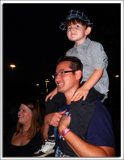 Kaiden with Krystal and Richie at Buzzfest 2010. Kaiden might have been getting tied of the photos…