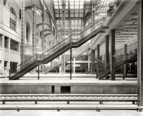 Shorpy: Penn Station: 1910. Notice the open entrance from the waiting area to the tracks. That is certainly not the case anymore. Sigh.