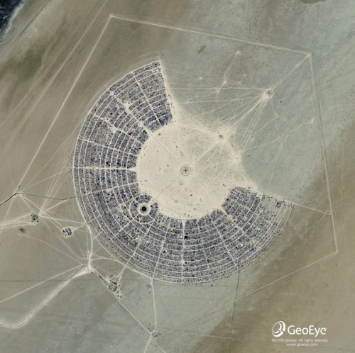 allthatshines:  spacelog:braincraft: Satellite photo of burning man 2010