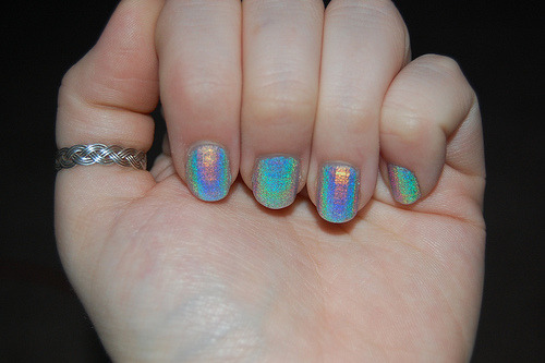 nailsthings:  holographic *-* by: jetburn83