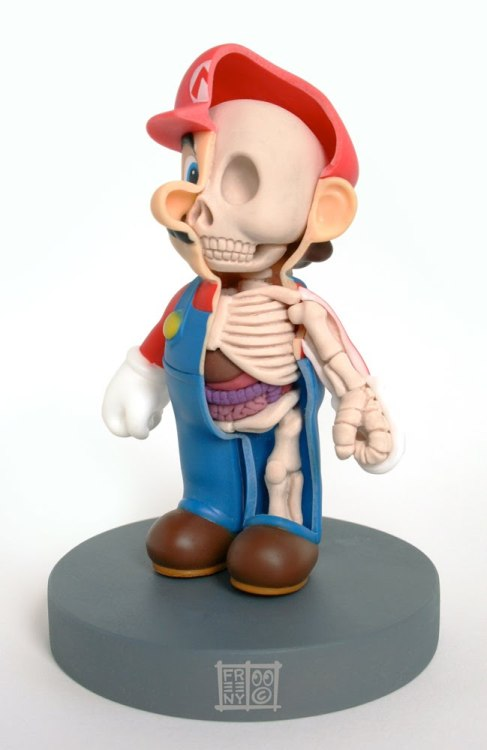 Mario por dentro. geek-art: Mario like you've never seen him before !  geek-art.net