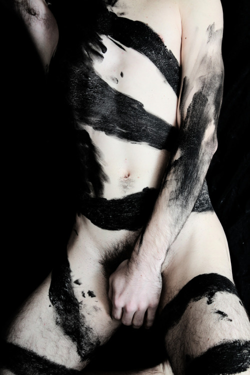 sexxxisbeautiful:  the thick dark pubes of a god/dess  Fuck why is this so hot