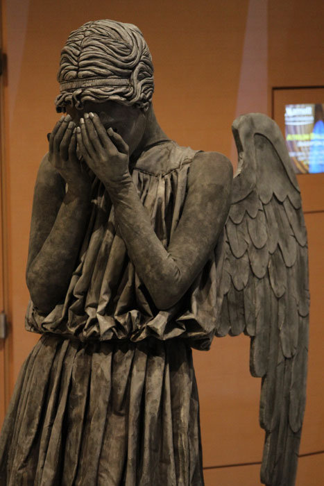 eattheirhats:  Someone at Dragon*Con dressed as a Weeping Angel. THIS IS A COSTUME.