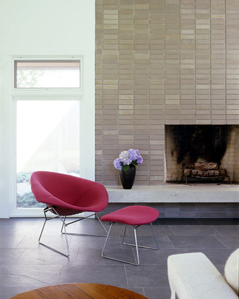 Bertoia diamond chair and ottoman in the Darby Lane House via